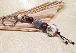 Schlüsselanhänger Tibetische Perlen - Om Symbol - Bodhi - Lotus Samen- Nepal