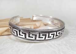 Armreifen Mäander Bordüre - 925er Sterling Silber - Drachen Gravur - Nepal