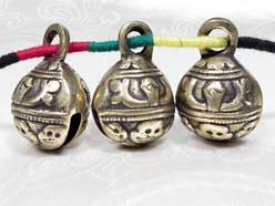Tibetische YAK-GLOCKE - 3 Stück - Tierglocke - Messing - Skull Totenkopf - Nepal