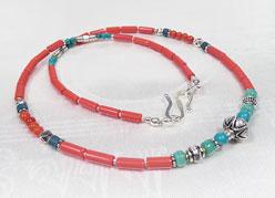 Halskette - Korallen und Türkis Perlen - Handarbeit - Nepal