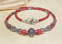 Tibetische Korallen Halskette - Collier mit Silberelementen - Karma Arts - Nepal