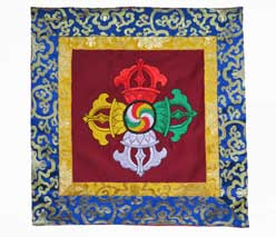 Tibetische Brokatdecke - Altar Decke - gestickter Doppel Dorje - Vajra - Nepal